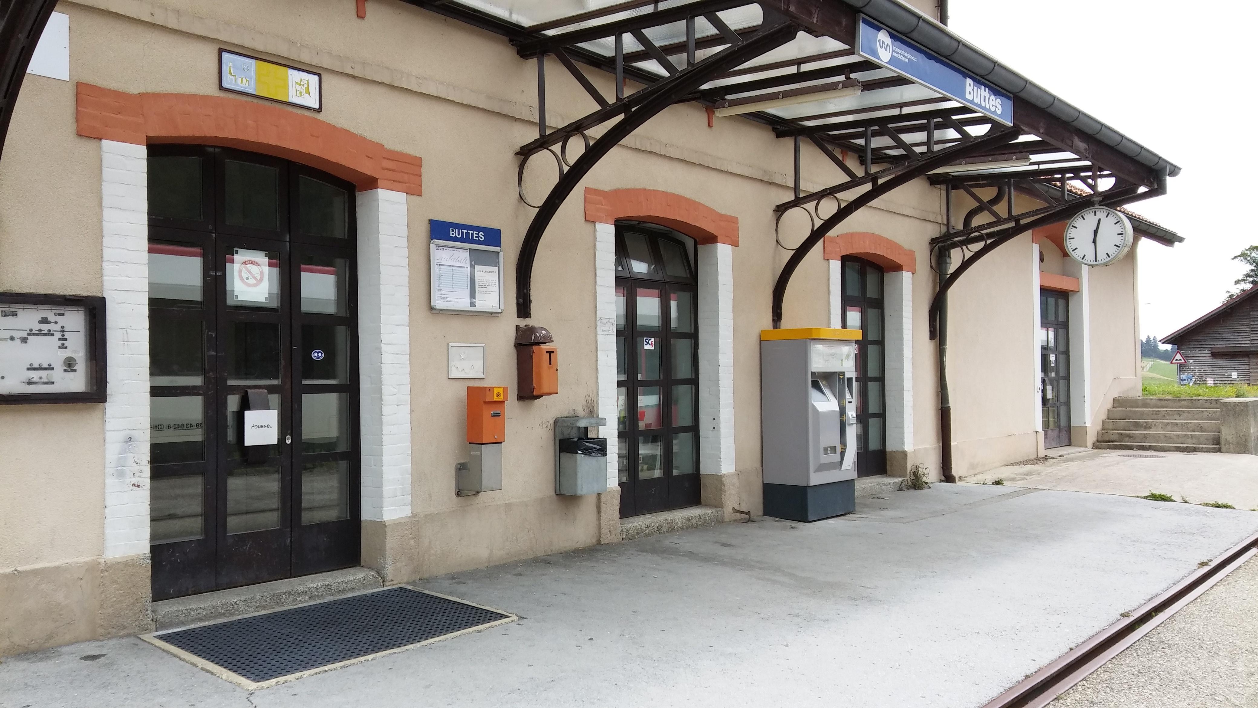 Gare de Buttes et voie Fleurier-Buttes